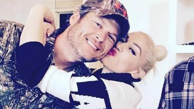Prvo dijete s Blakeom: Stefani više ne skriva trudnički trbuh