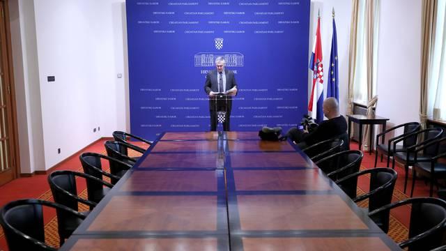 Zagreb: Novinari bojkotirali konferenciju za medije Željka Glasnovića