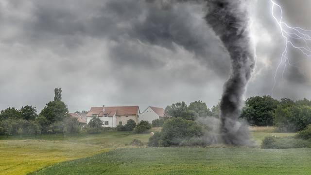 Tornada moguća i u Hrvatskoj: Iz DHMZ-a objasnili kako se zaštiti u takvim situacijama