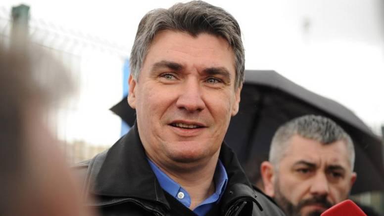 """SDP smislio glavni predizborni slogan: """"Naprijed, a ne nazad"""""""