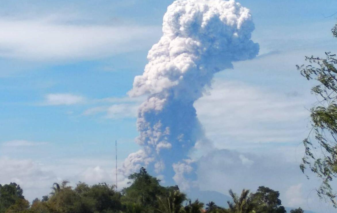 Nova katastrofa u Indoneziji: Eruptirao vulkan, ljudi u panici