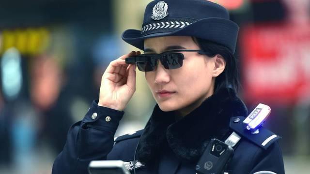 Novi alat za kontrolu: Policija dobiva naočale koje 'čitaju' lica