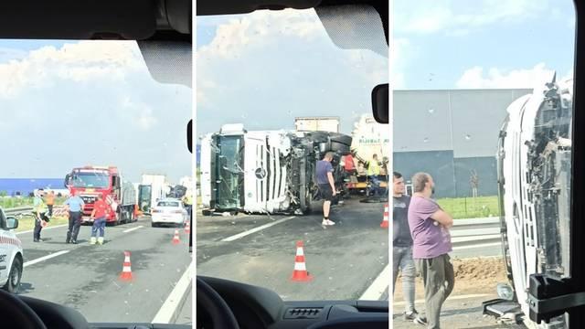 Prevrnuo se kamion kod Nove Gradiške: Nitko nije ozlijeđen