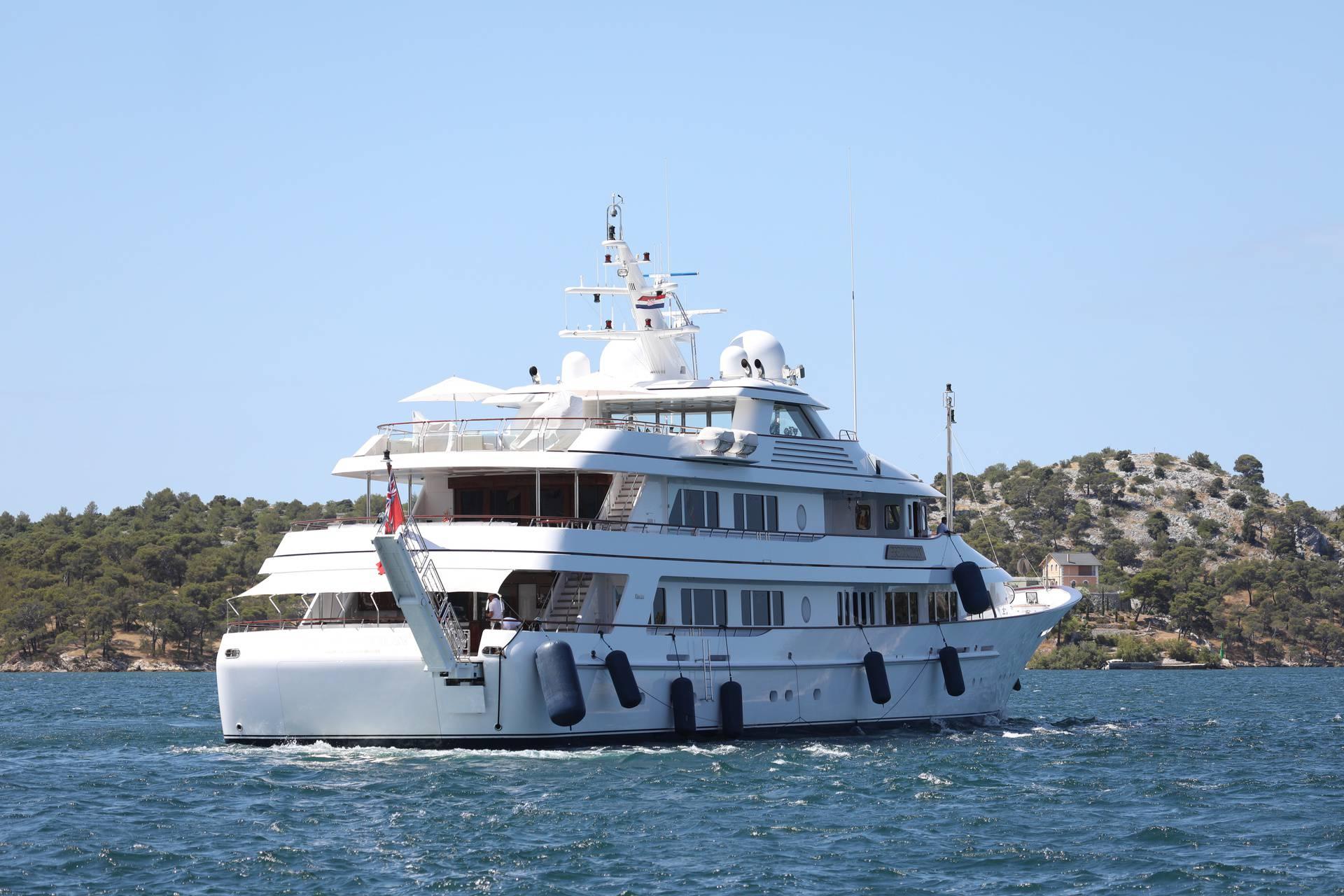 Glavni donator demokrata James Simons plovi Jadranskom obalom