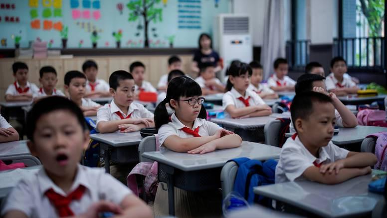 U Kini protiv korone cijepili 91 posto starih od 12 do 17 godina