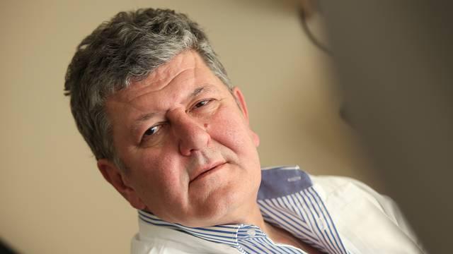 Ravnatelj KBC- a Zagreb: 'Mjere ne kasne, narod ih se  ne drži'
