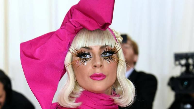 GaGa o depresiji: 'Satima bih samo sjedila, pušila i plakala'