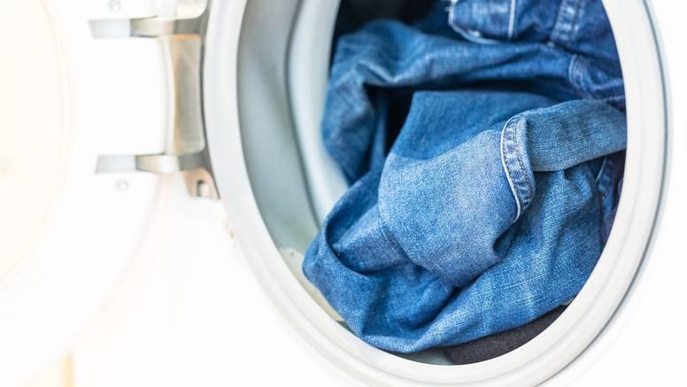 Koliko često je potrebno prati traperice i savjeti kako da održe originalni oblik i živu boju