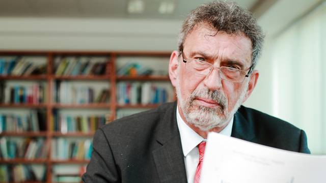 Ministar Fuchs: Nitko nije rekao da nakon Svih Svetih nastava u potpunosti prelazi u online