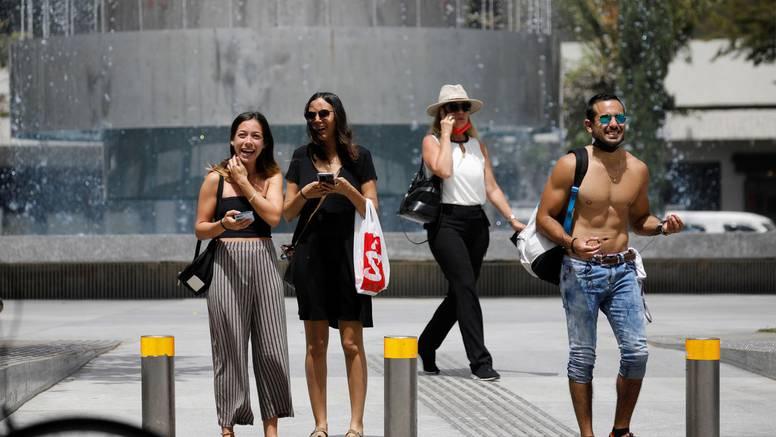 Pogledajte fotografije: U Izraelu ukinuli obvezu nošenja maski