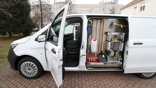 Zagreb: Policiji uručeno deset novih kombija s forenzičkom opremom