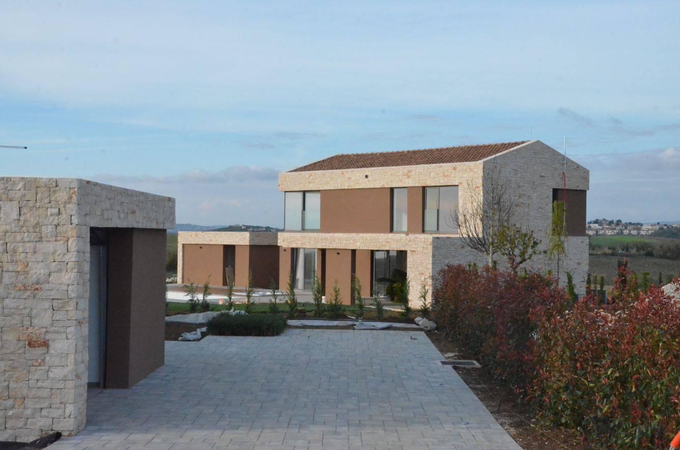 Balašević u Istri 'iskrcao' 3,5 milijuna kuna za raskošnu vilu