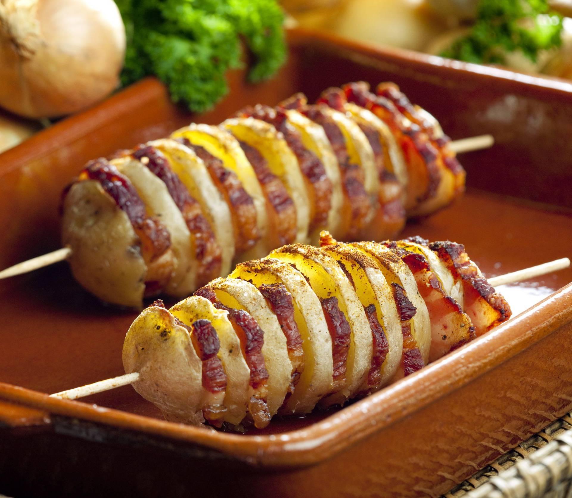 Ovakve ražnjiće još niste jeli - od krumpira, slanine i čilija