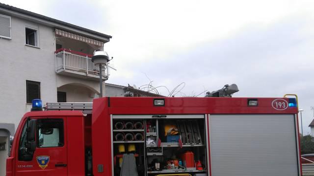 Probudio ih dim pa završili u bolnici, policija utvrđuje sve okolnosti nastanka požara