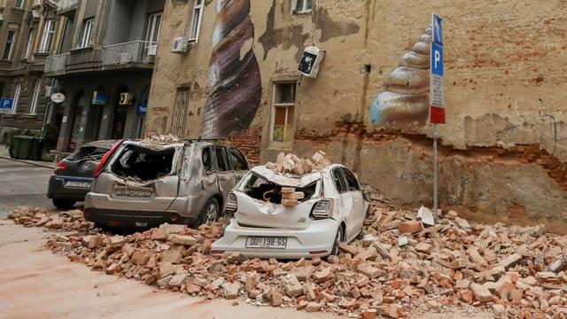 VIDEO Trenuci užasa: Pogledajte kako je potres razarao Zagreb