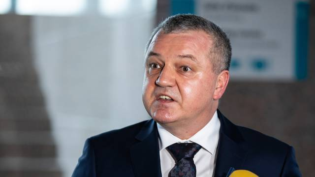 'Ja neću biti ravnatelj Fonda ako Vanđelić ode, a obnova zapinje zbog vlasničkih odnosa'