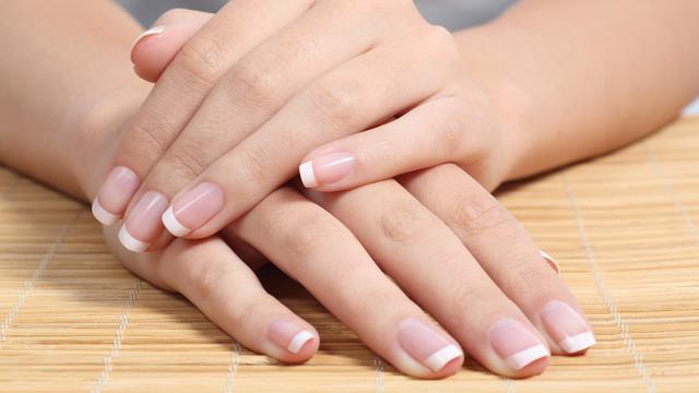 Spriječite pucanje i listanje: 10 savjeta za ljepše i duže nokte