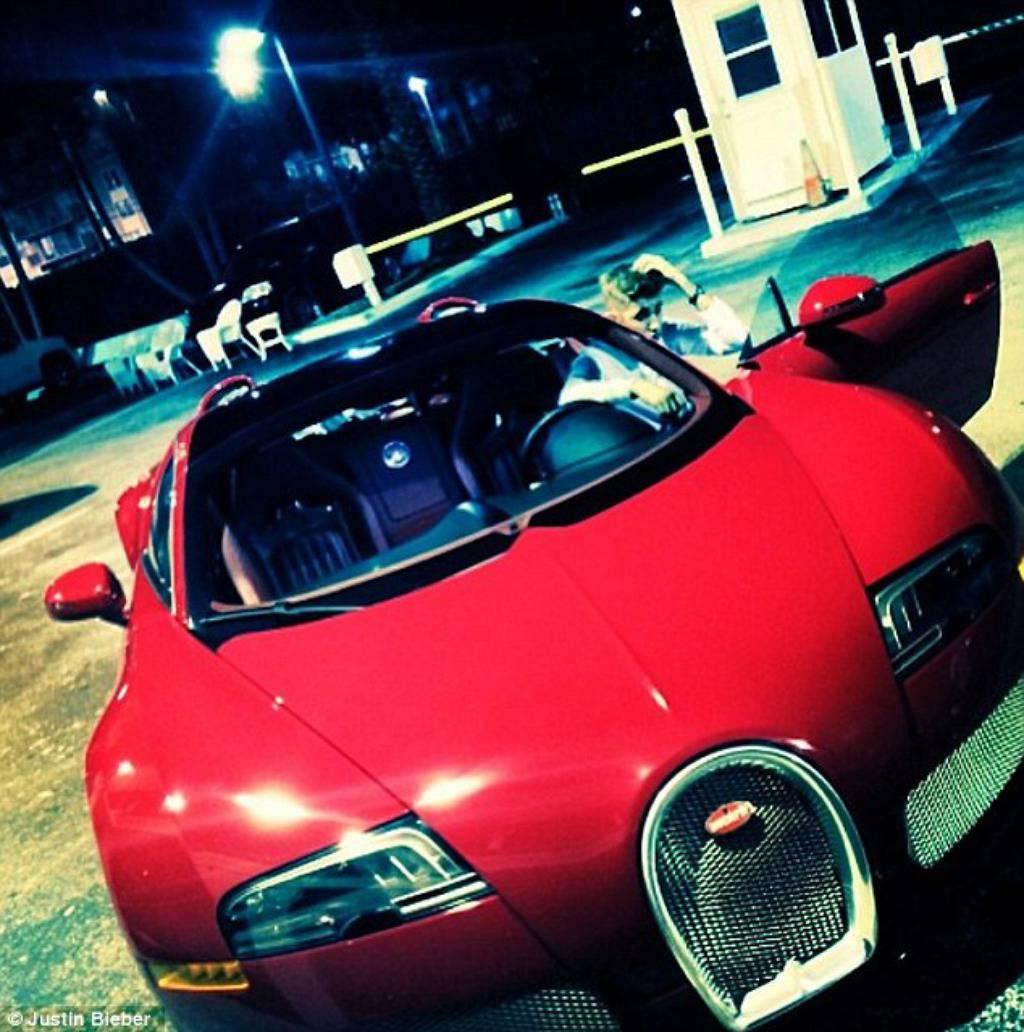A nije mu rođendan: J. Bieber dobio Bugatti od 11 mil. kuna