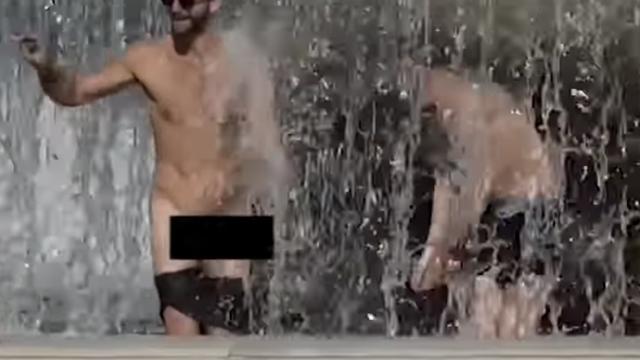 Britanski turist se u fontani u centru Rima skinuo posve gol!