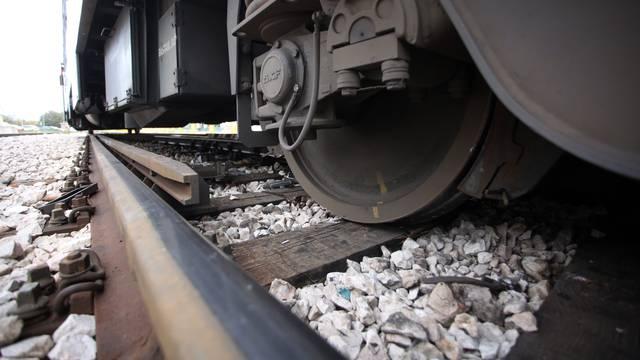 Putnički vlak na relaciji Zagreb - Duga Resa usmrtio čovjeka