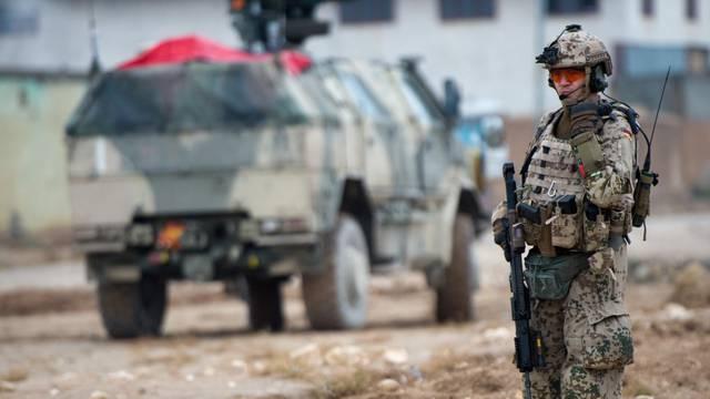 German Defence Minsiter de Maiziere in Afghanistan