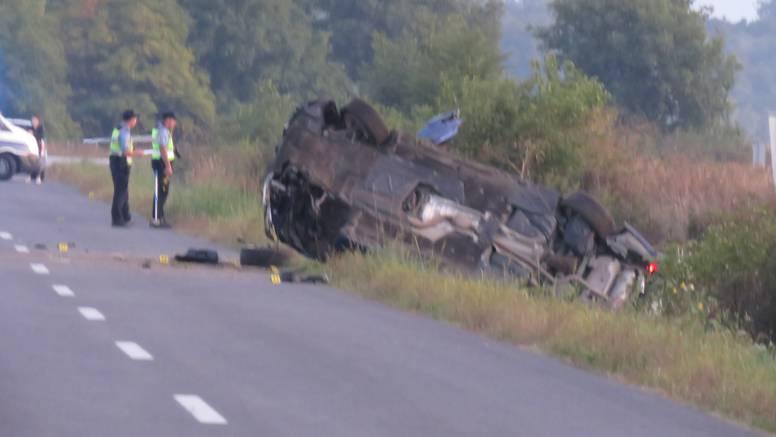 Teška prometna kod Požege: U slijetanju automobila s ceste poginula mlada djevojka (23)