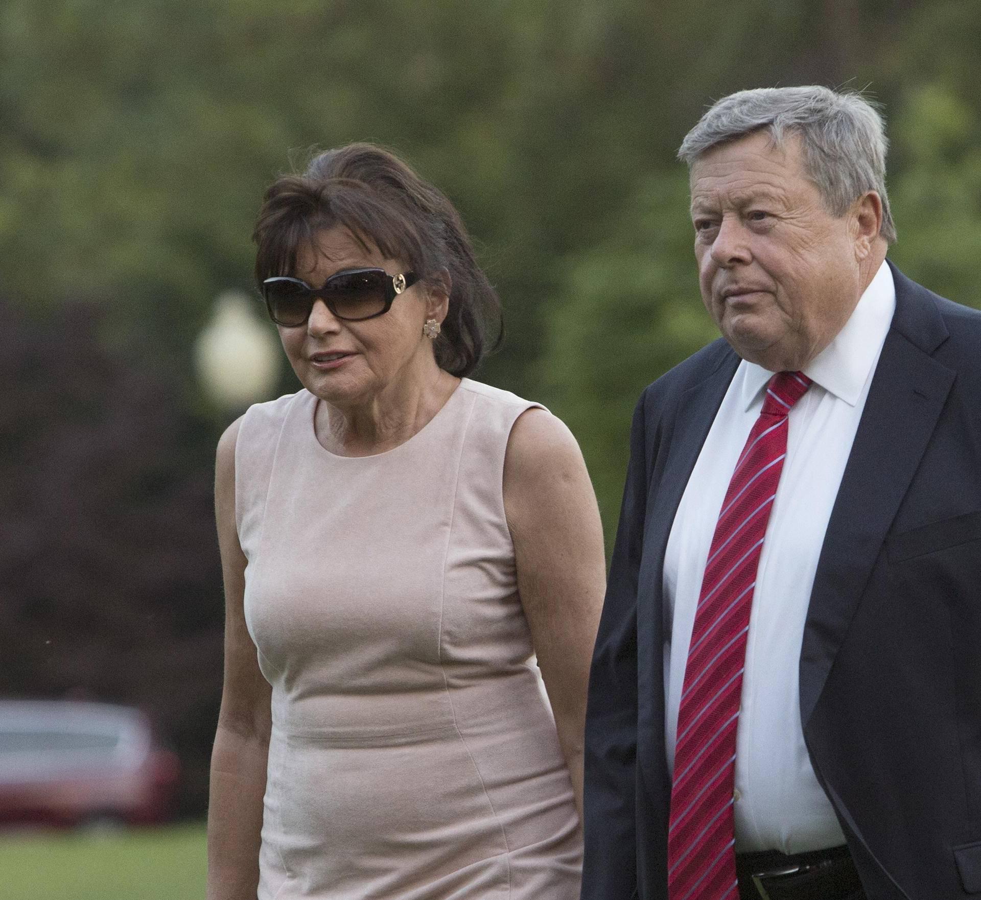 Trumps Arrive from Bedminster, NJ