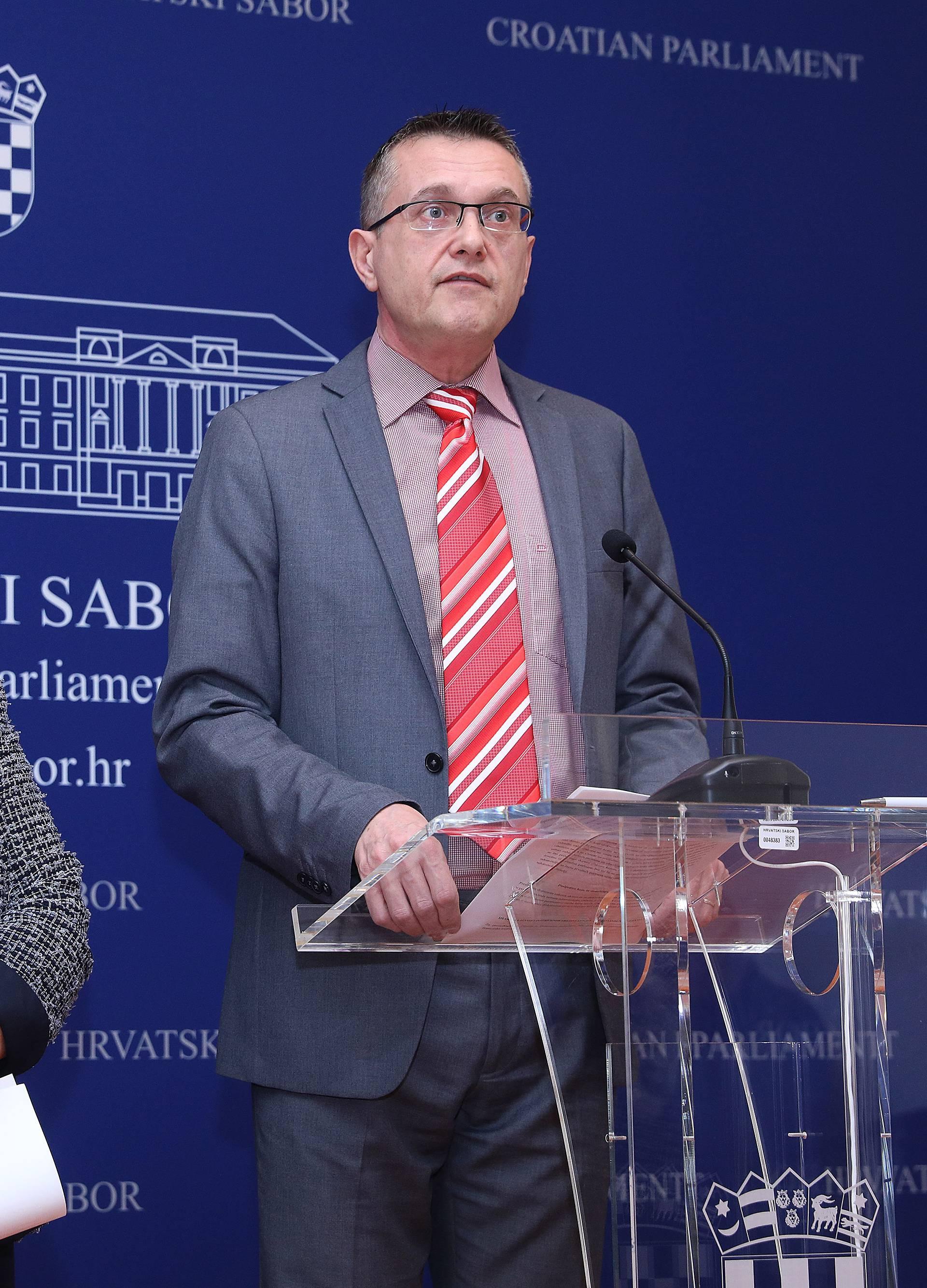 Zagreb: Članovi GLAS-a održali konferenciju za medije