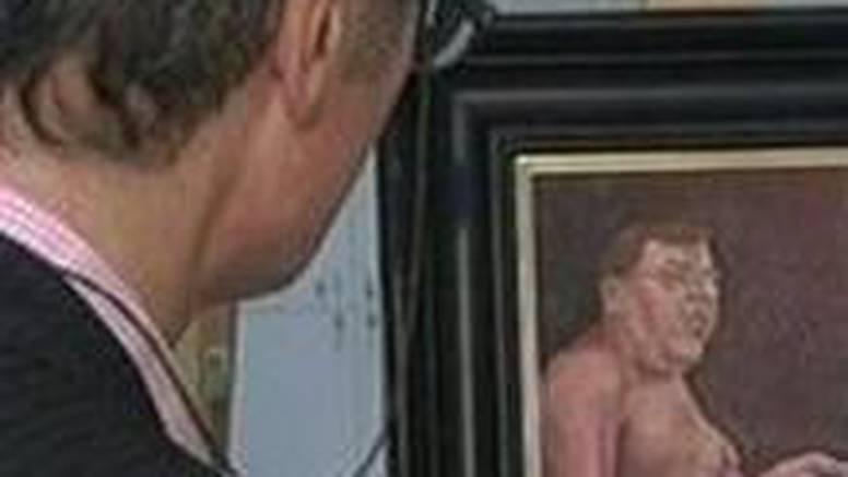 Slike golog premijera u muzeju alarmirale policiju