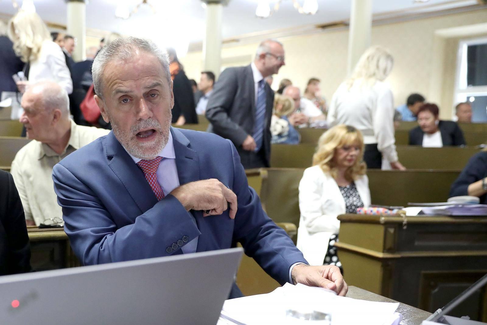 Bandić dao 50 štandova tvrtki svog dugogodišnjeg vozača