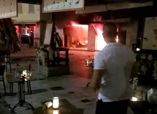Vatra gutala restoran u Splitu: Izvukli nekoliko plinskih boca