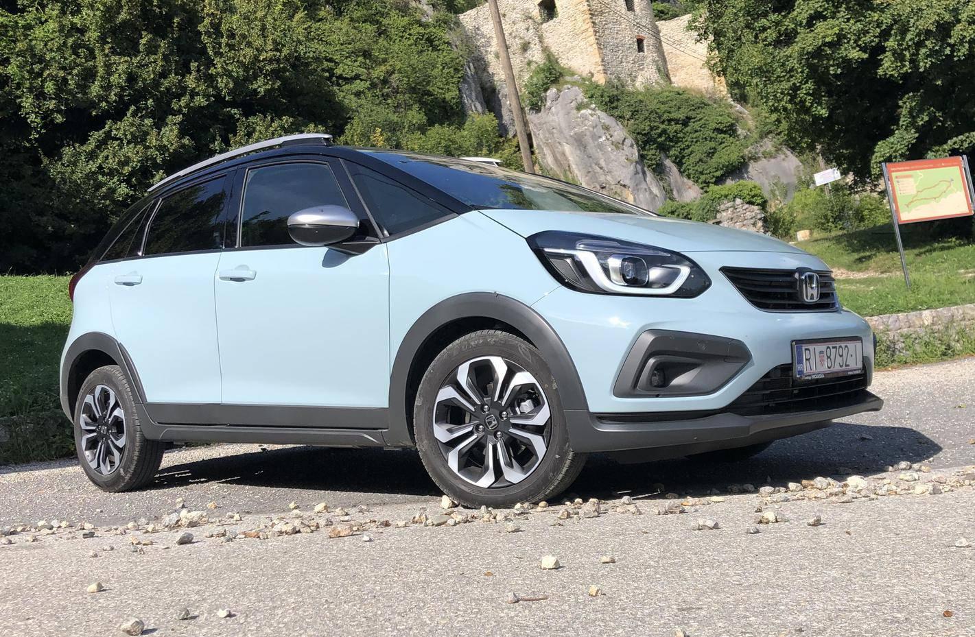 Honda Jazz Crosstar je izuzetno prostran i štedljiv mali auto