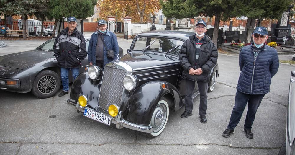 Vozio je 54 godine starog Fiću: 'U čast našem Jozi potrubili smo dvaput. Bio je naš počasni član'