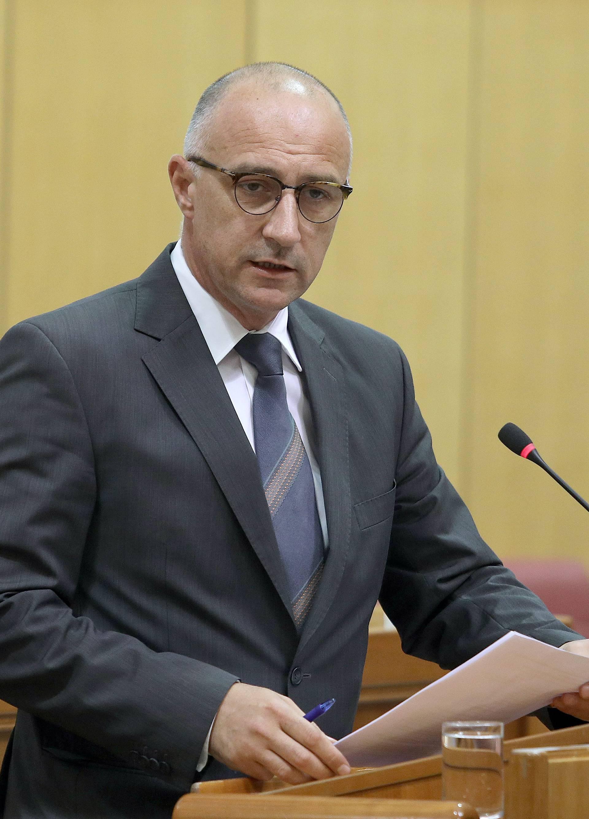 'Sljedeći korak je glasovanje o Petrovu, mora otići iz Sabora'
