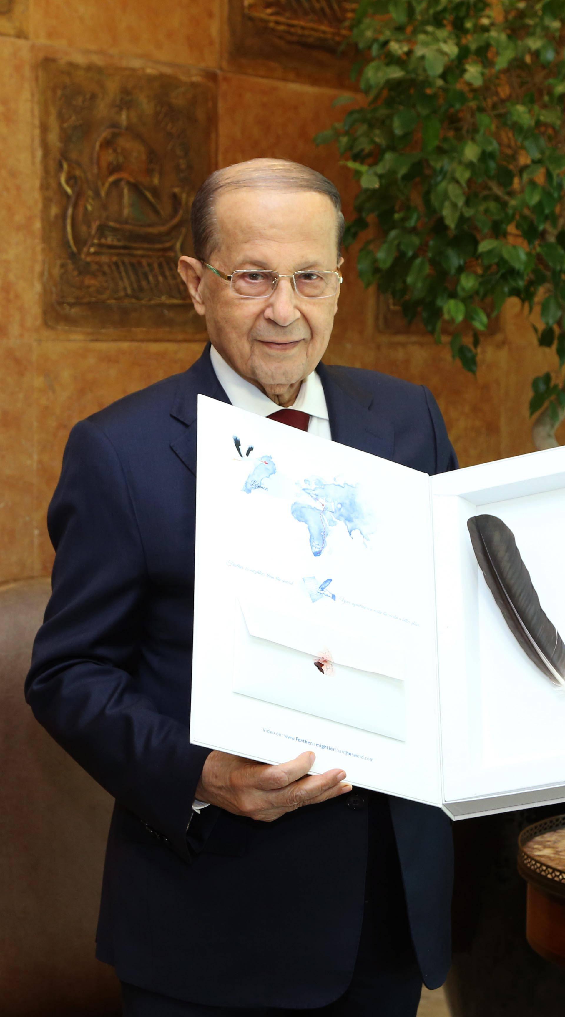 Libanonski predsjednik primio Klepetanovo pero: Dirnut sam