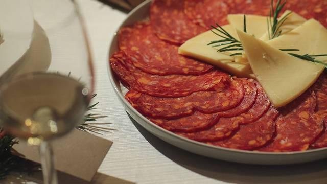 Dobro se nagradi ovih blagdana uz najfinije mesne proizvode najbolje kvalitete i okusa