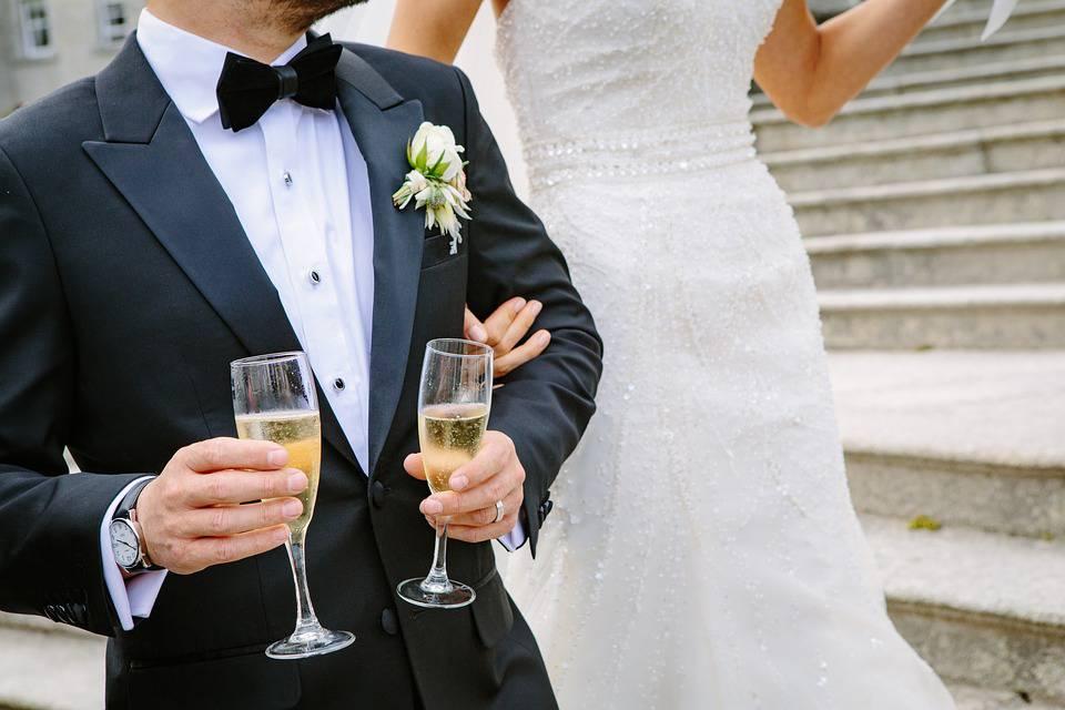 Policajke se najčešće udaju za profesore, vojnici žene frizerke