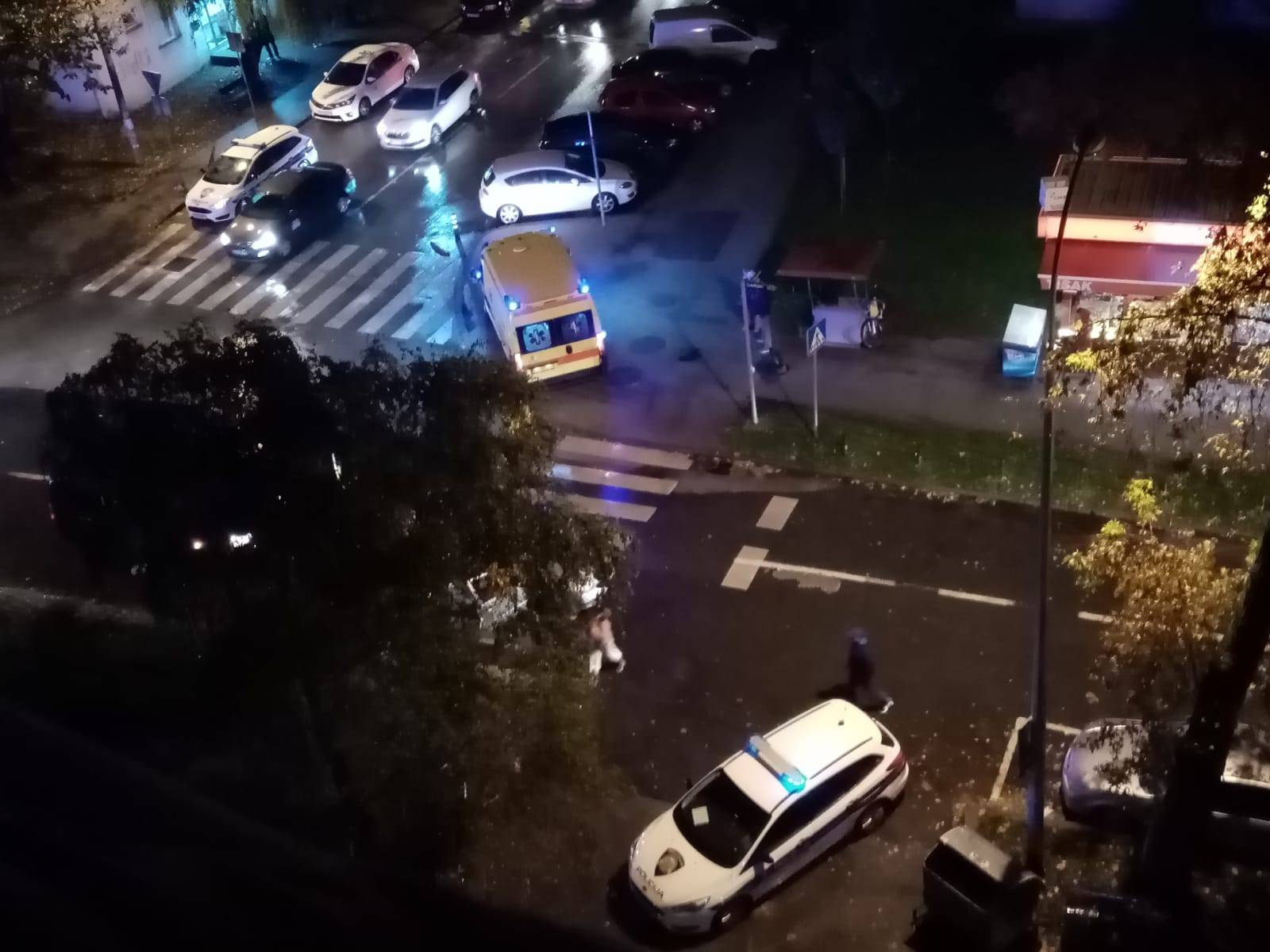 U naletu auta troje ozlijeđenih