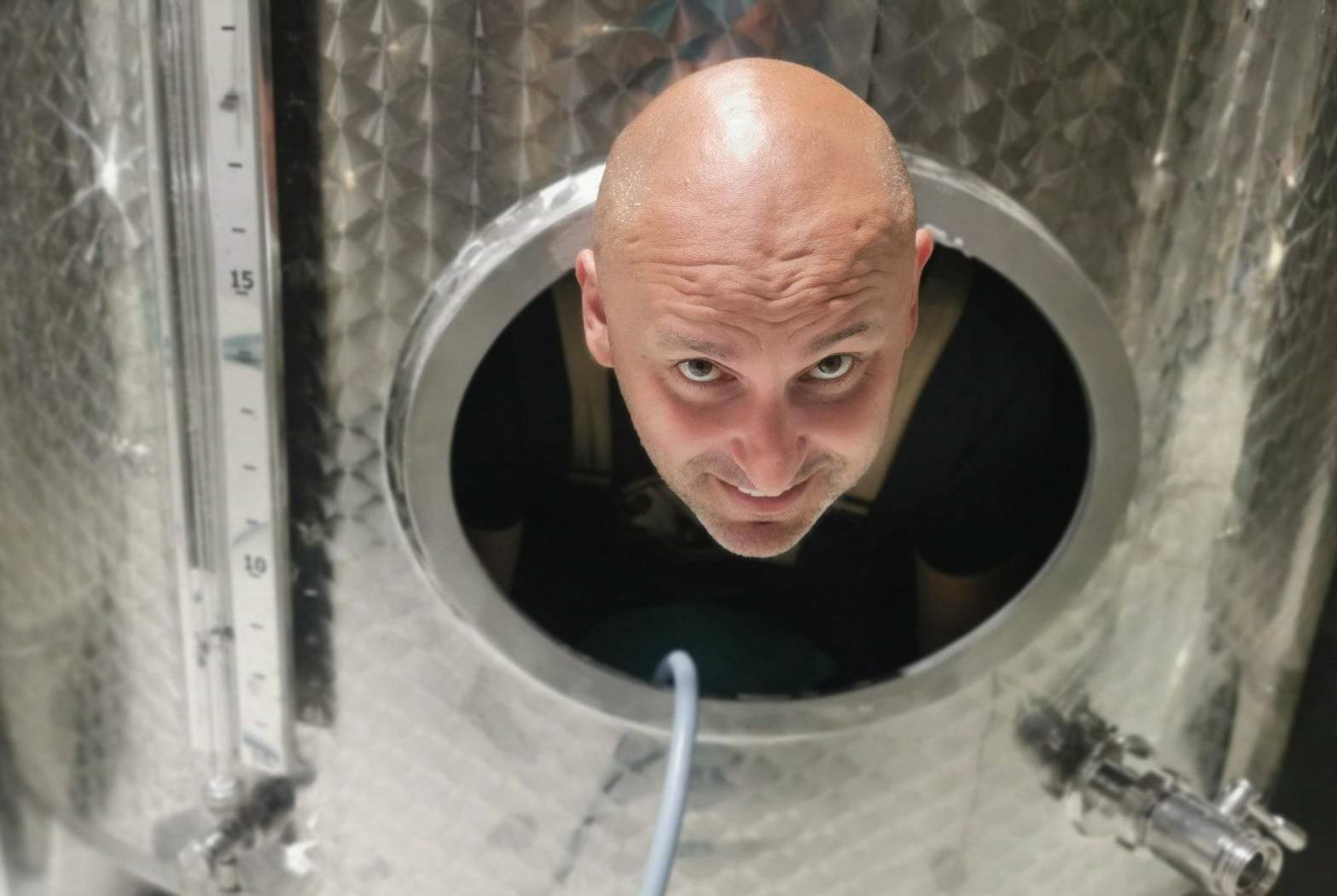 Dobio 2,5 milijuna kuna pa sjeo u bačvu vina: 'Teško je izaći suh'