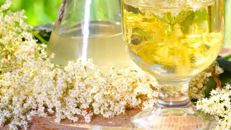 Recept za sok od bazge u kojem nema dodane limunske kiseline