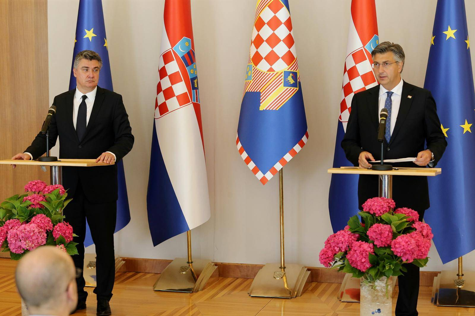 Plenković predstavio 16 novih ministarstava, Milanović pričao o mjerama protiv korona virusa