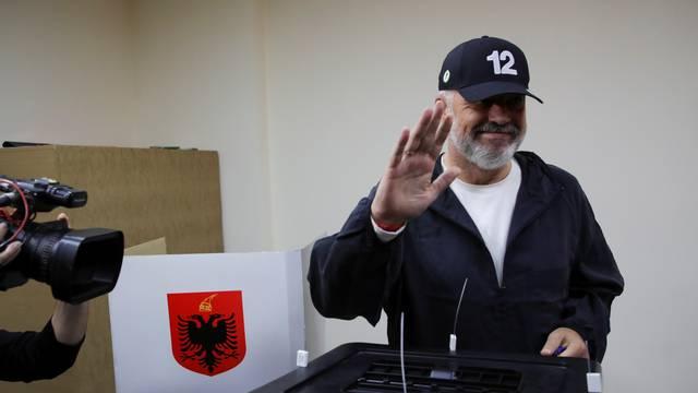 Aktualni albanski premijer Edi Rama vodit će državu i treći put