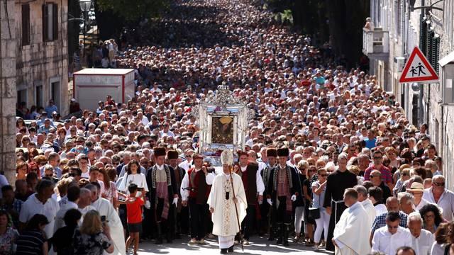 Blagdan Velike Gospe: Tisuće vjernika hodočasti u svetišta