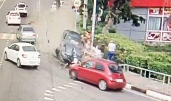Automobilom pokosio pješake u Sočiju, dvoje ljudi je  kritično