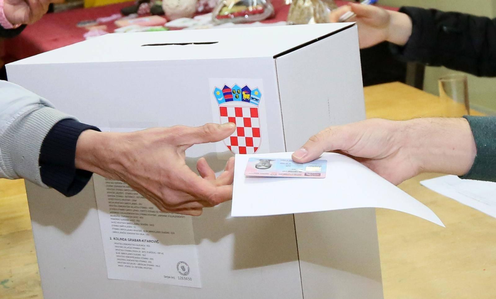 Na 6500 biračkih odbora bit će angažirano skoro 40.000 ljudi