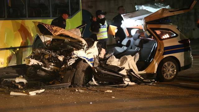 Policijskim autom se zabili u autobus, dvojica su ozlijeđena