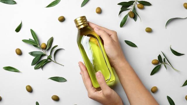 Maslinovo ulje u borbi protiv suhe kože, kose i podočnjaka...