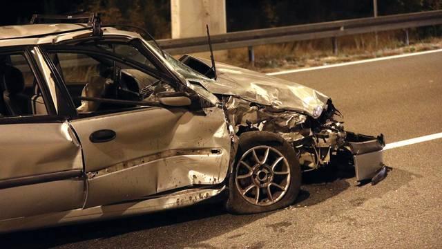 Tromilja: Jedna osoba prevezena u bolnicu nakon prometne nesreće dva automobila
