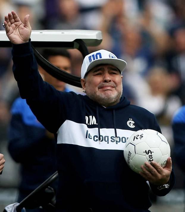 Argentina - Diego Maradona unveiled as new Gimnasia y Esgrima de La Plata coach
