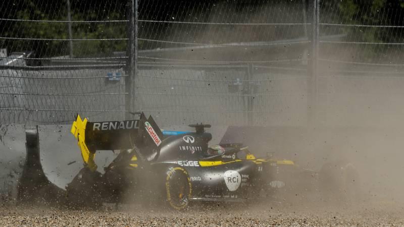 Frka u Spielbergu! Ricciardo se zabio u ogradu i razbio bolid...